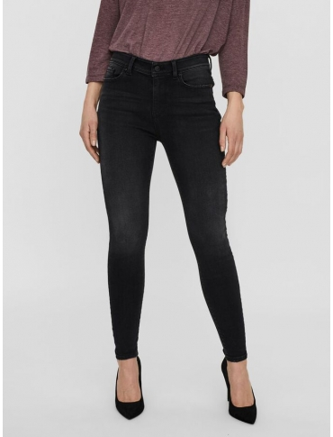 Vero Moda Peach pantalón vaquero negro